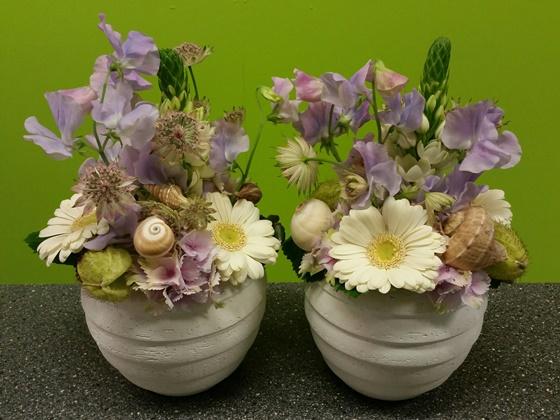 Pastel flowers - €18,90